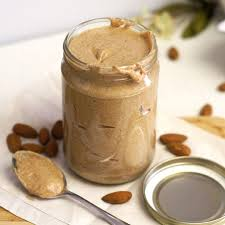 can-dogs-eat-almond-butter
